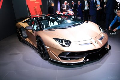 Lamborghini Aventador SVJ Roadster mới