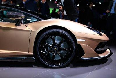 Lamborghini Aventador SVJ Roadster bánh xe