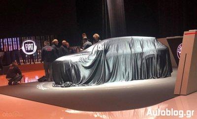 Ảnh Alfa Romeo Tonale trùm kín tại triển lãm Geneva 2019...