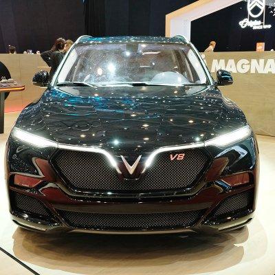 Động cơ V8 của VinFast LUX từng được trang bị trên những mẫu xe nào? a10