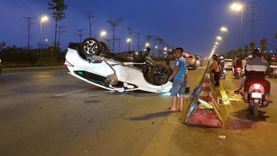 Honda CR-V 7 chỗ trong vụ tai nạn mới nhất ngày 3/3 a1