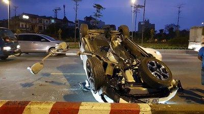 Honda CR-V 7 chỗ trong vụ tai nạn mới nhất ngày 3/3 a2.