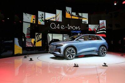"""Audi Q4 e-tron chính thức """"lên sóng"""" tại Geneva 20197aa"""