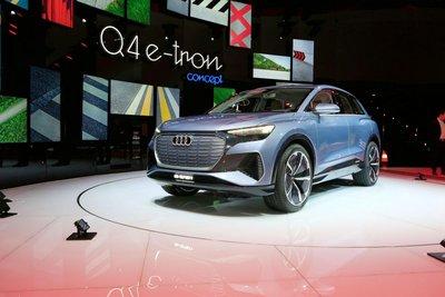 """Audi Q4 e-tron chính thức """"lên sóng"""" tại Geneva 2019"""