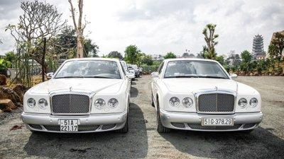 Ông chủ tập đoàn Trung Nguyên đến phiên tòa ly hôn bằng xe sang 6 tỷ đồng - Ảnh 1.