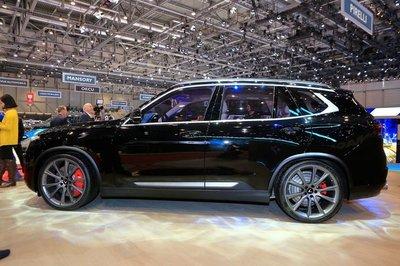 SUV VinFast LUX V8 nhận được nhiều sự chú ý tại Geneva Motor Show....