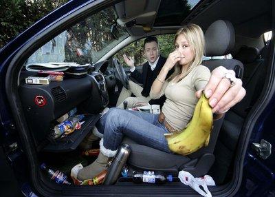 Tất tần tật mẹo khử các loại mùi hôi trên ô tô a2.