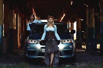 Ngày 8/3 các anh làm gì? Ngắm em xinh bên BMW X3 chứ làm gì!8aa