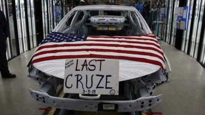 """Chiếc Chevrolet Cruze cuối cùng được """"ra lò"""" tại Mỹ, nhà máy GM đóng cửa"""