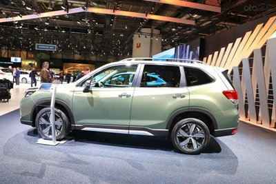 [Geneva 2019] Subaru Forester eBoxer cải thiện không gian