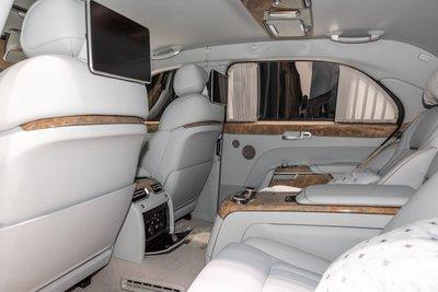 Siêu xe của tổng thống Putin tung bản thương mại a6.
