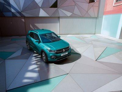 Volkswagen T-Cross SUV ra mắt với giá khởi điểm 16.995 bảng Anh - Ảnh 1.