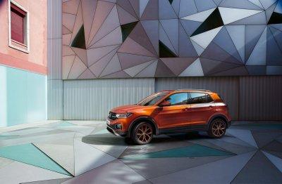 Volkswagen T-Cross SUV ra mắt với giá khởi điểm 16.995 bảng Anh.