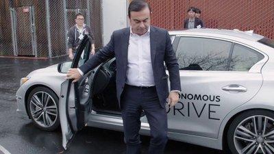 CEO của liên minh Renault-Nissan thử nghiệm chiếc Infiniti Q50...