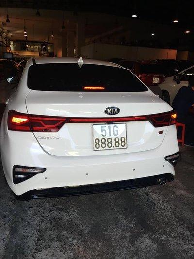3 tỷ vẫn chưa bán, chủ nhân chiếc Kia Cerato 2019 biển 51G-888.88 muốn gì? a3
