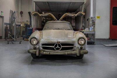 """Mercedes-Benz """"đồng nát"""" từ thời 1954 đáng giá 100 tỷ đồng!"""