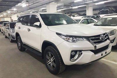 Toyota Fortuner bản máy dầu 2019 a1