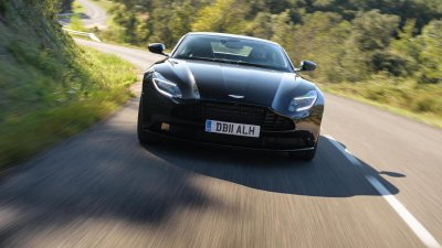 Aston Martin DB11 V8 về Việt Nam