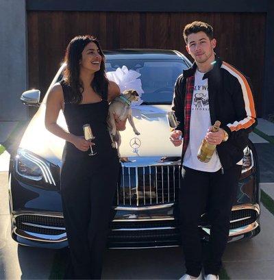 """Ca sĩ Nick Jonas """"tậu"""" Mercedes-Maybach S-Class 2019 tặng bà xã"""