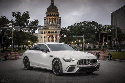 Mercedes-AMG GT 53 Coupe đầu xe