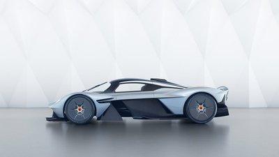Aston Martin Valkyrie trị giá 3,2 triệu USD