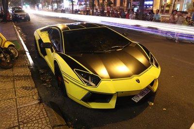 Ngoại thất mới của Lamborghini Aventador LP700-4 độ Vorsteiner