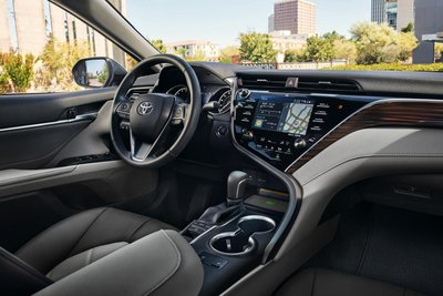 Chưa ra mắt, Toyota Camry 2019 đã lộ nhiều nâng cấp mới tại Việt Nam a2