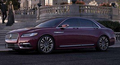Lincoln Continental màu đỏ thẫm