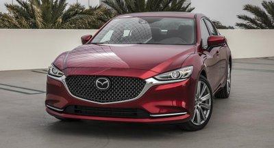 Mazda 6 màu đỏ