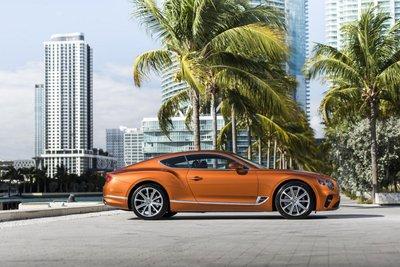 Bentley Continental GT 2020 khoe dáng - 2