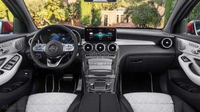 Mercedes-Benz GLC 2020 Coupe tập trung các nút điều khiển vào vô lăng