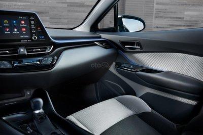 Toyota C-HR 2019 bình dân có giá hấp dẫn hơn nữa