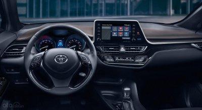 Toyota C-HR 2019 bổ tùy chọn AWD