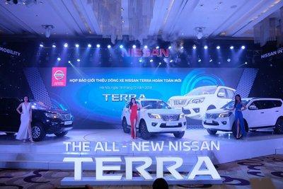 Nissan Terra giảm giá niêm yết để cạnh tranh với Toyota Fortuner a1