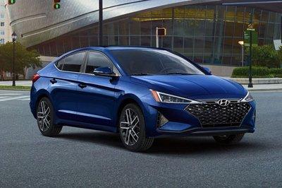 Hyundai Elantra Sport 2019 giá từ 19.600 USD tại Mỹ.