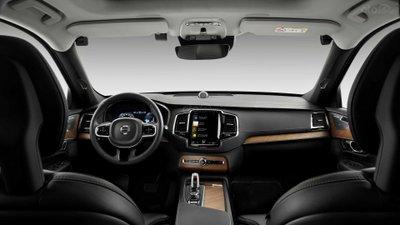 Hệ thống camera theo dõi lái xe trên ô tô Volvo 1