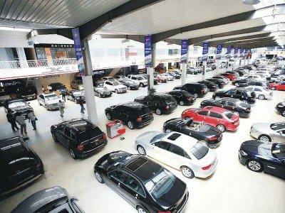 Ngoài thay đổi mức thuế, Trung Quốc sẽ hạn chế quy định cho xe cũ