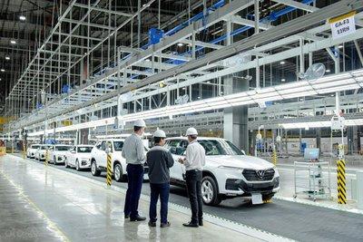 Gần 160 xe VinFast Lux xuất ngoại để kiểm định chất lượng a3