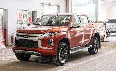 """Không chỉ Ranger, Mitsubishi Triton cũng """"chạy"""" không kịp thuế a1"""