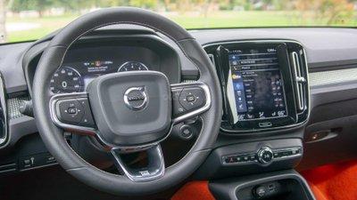 Volvo XC40,