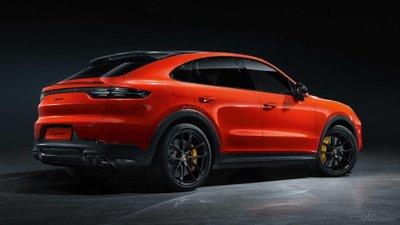 Porsche Cayenne 2020 Coupe có thể tích cốp xe nhỏ hơn.