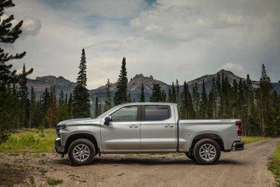 Chevrolet Silverado 2019 và GMC Sierra 2019 mạnh mẽ với động cơ mới