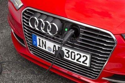 """Xe điện """"Audi A4"""" sẽ ra đời để đấu Tesla Model 3"""