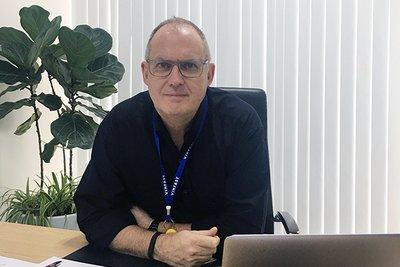 Kevin Fisher, kỹ sư trưởng dòng LUX