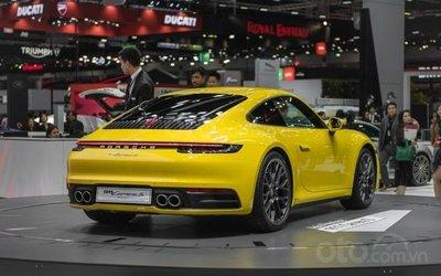 Porsche 911 2020 ra mắt thị trường Châu Á với giá bán 8,87 tỷ đồng - đuôi xe