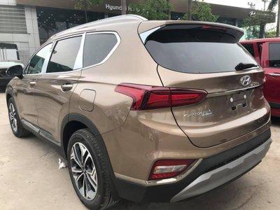 Hyundai Santa Fe 2019 Premium thiết kế đuôi xe