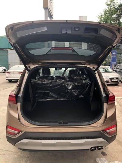 Khách hàng sắp sửa đón Hyundai Santa Fe 2019 'full option' về tay a5.