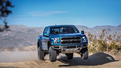 """Ford F-150 Raptor """"yêu lại từ đầu"""" với động cơ V8."""
