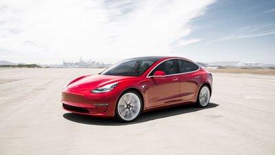 Tesla Model 3 gây sốt tại Na Uy, bán ra gần 5.000 xe.