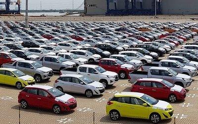 Ô tô nhập khẩu về Việt Nam tăng tốc khó ngờ! a1